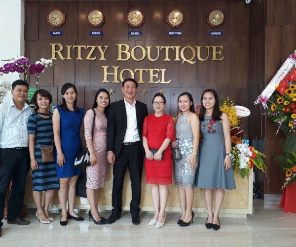 Khai Trương Khách Sạn Rizy